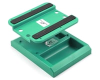 DuraTrax Pit Tech Deluxe Car Stand (Green)